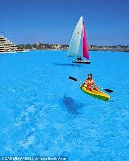 Απίστευτες εικόνες: Δεν φαντάζεστε πώς είναι η μεγαλύτερη πισίνα του κόσμου! - Φωτογραφία 3