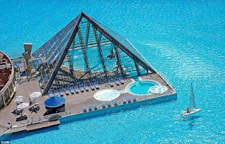 Απίστευτες εικόνες: Δεν φαντάζεστε πώς είναι η μεγαλύτερη πισίνα του κόσμου! - Φωτογραφία 5