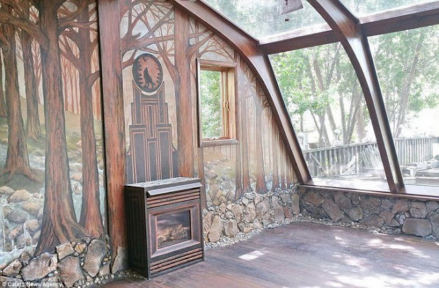 Για 35 χρόνια έφτιαχνε το σπίτι των ονείρων της... Το εσωτερικό του δεν μοιάζει με κανένα από όσα σπίτια έχετε δει μέχρι σήμερα - Φωτογραφία 4
