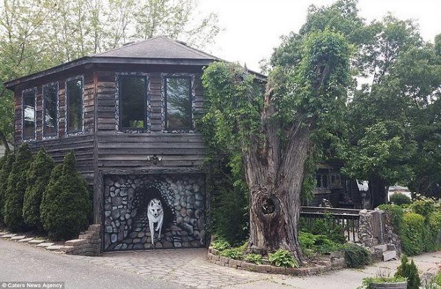 Για 35 χρόνια έφτιαχνε το σπίτι των ονείρων της... Το εσωτερικό του δεν μοιάζει με κανένα από όσα σπίτια έχετε δει μέχρι σήμερα - Φωτογραφία 9