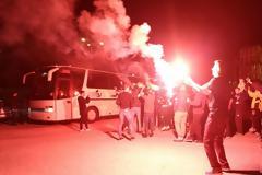 Παραλήρημα και θερμή υποδοχή στα Γιάννενα: «ΑΕΚ, ΑΕΚ φέρε μας το Κύπελλο»