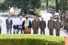 Κατάθεση στεφάνου από τον Αρχηγό της Εθνικής Φρουράς Αντγο Ηλία Λεοντάρη στο μνημείο πεσόντων στα Κούκλια