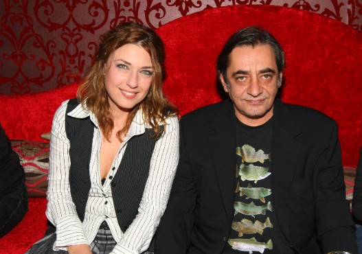 Ιντριγκα; Η νέα σύντροφος του Α. Καφετζόπουλου είναι πρώην γυναίκα συναδέλφου του - Δείτε με ποιον ηθοποιό ήταν παντρεμένη [photos] - Φωτογραφία 6