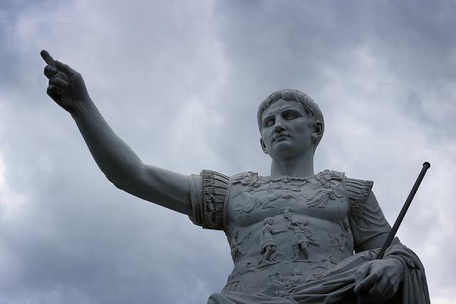 Όταν ο Ιούλιος Καίσαρ, ασπάστηκε την σωρό του Μεγάλου Αλεξάνδρου - Φωτογραφία 2