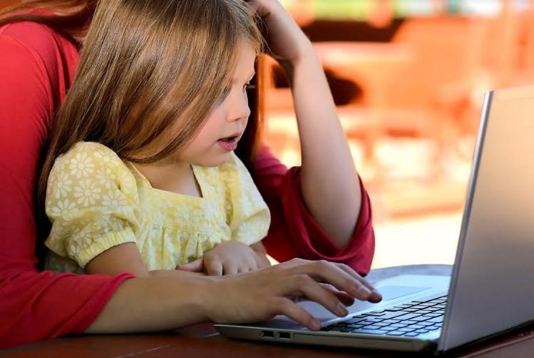 «Παιδί και ίντερνετ»: Δωρεάν Σεμινάριο για Γονείς από το Συμβουλευτικό Κέντρο του  «Μαζί για το Παιδί» - Φωτογραφία 1