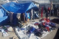 ΑΠΟΚΛΕΙΣΤΙΚΟ - Λέσβος: Ιδού που καταλήγουν τα ρούχα που δίνουν οι Έλληνες απ το υστέρημα τους στους λαθρομετανάστες [Φωτος]