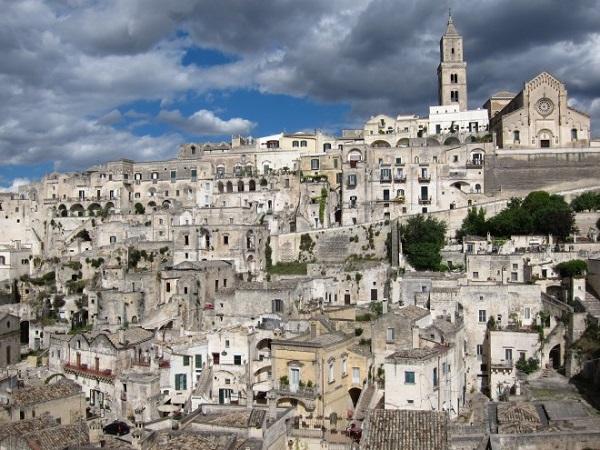 Βυζαντινοί Υμνοι σε Ελληνικά και Αραμαϊκά, στην αρχαιότερη πόλη της Ιταλίας, την πόλη των «Παθών» του Μελ Γκίμπσον, με τη Νεκταρία Καραντζή - Φωτογραφία 1