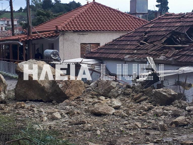 Ηλεία Λέπρεο : Βράχοι διέλυσαν σπίτι - Η οικογένεια είχε φύγει πριν λίγες ημέρες - Φωτογραφία 1
