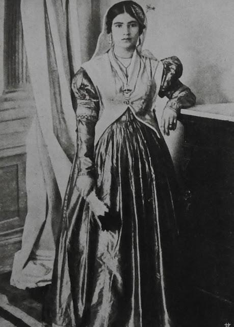 Η Λευκαδίτικη παραδοσιακή φορεσιά - Φωτογραφία 6
