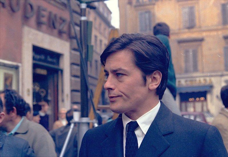 ΣΤΟ PARIS MATCH Ο Αλεν Ντελόν στη συνέντευξη της ζωής του: Ξερνάω με αυτόν τον κόσμο, φεύγω χωρίς λύπη - Φωτογραφία 1