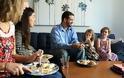Επτά λάθη που κάνεις στο βραδινό σου γεύμα και επηρεάζουν και το βάρος και τον ύπνο σου!