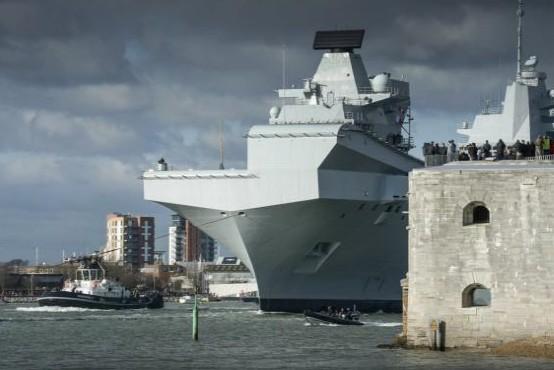 HMS Queen Elizabeth: Στην πρώτη του αποστολή το αεροπλανοφόρο της Μεγάλης Βρετανίας - Φωτογραφία 1
