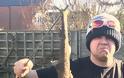 Αγγλία: Άνδρας βρήκε καρχαρία...στον κήπο του - Φωτογραφία 3