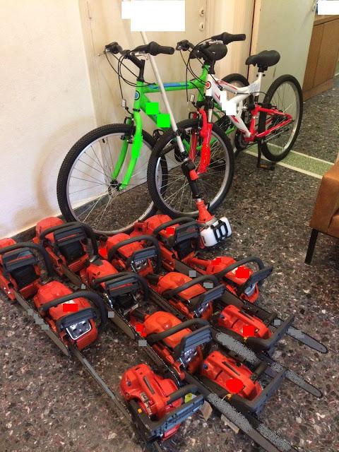 Ιστιαία: Μπήκαν σε κατάστημα και έκλεψαν από ποδήλατα μέχρι αλυσοπρίονα! (ΦΩΤΟ) - Φωτογραφία 2