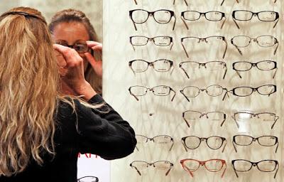 Πώς δεν θα προπληρώνετε τα γυαλιά που παίρνετε από τον ΕΟΠΥΥ - Φωτογραφία 1