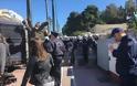 Ένταση και χημικά στην πορεία των βρεφονηπιαγωγών στο κέντρο της Αθήνας
