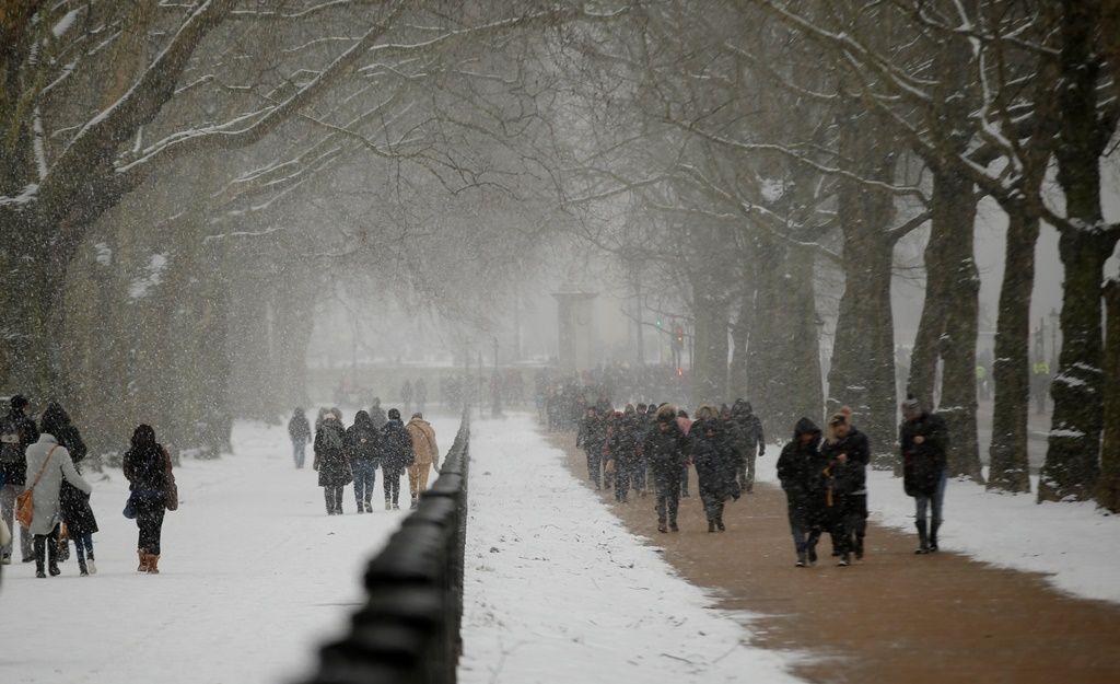 Στο έλεος πρωτόγνωρου χιονιά η Βρετανία - Πολικό ψύχος σε όλη την Ευρώπη - Φωτογραφία 6