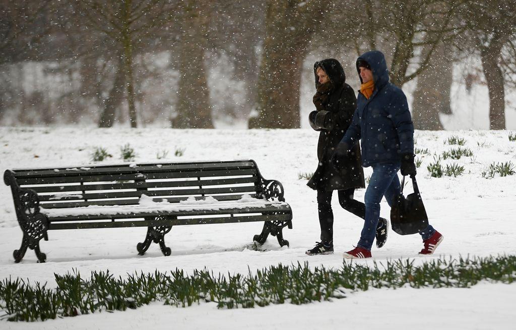 Στο έλεος πρωτόγνωρου χιονιά η Βρετανία - Πολικό ψύχος σε όλη την Ευρώπη - Φωτογραφία 7