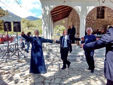 """""""Καλό ταξίδι φίλε…"""" Το συγκινητικό μήνυμα του Απόστολου Κατσιφάρα για τον ιερέα Νικόλαο Τακτικό - Φωτογραφία 2"""