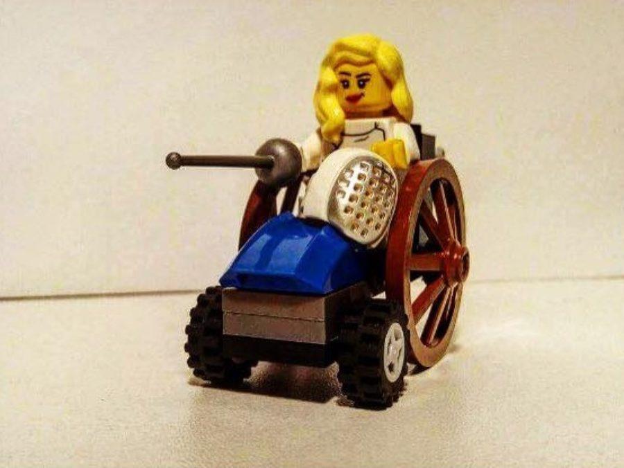 Η Κέλλυ Λουφάκη (ξανά) έγινε φιγούρα LEGO - Φωτογραφία 1