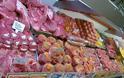 52 κιλά ακατάλληλος γύρος, κοτομπουκιές και κιμάς σε κρεοπωλεία στον Πειραιά
