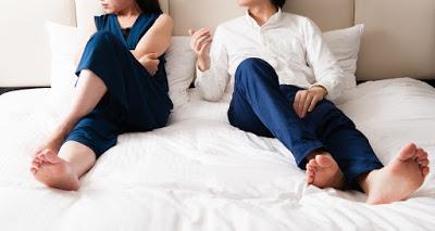 5 πράγματα που ξενερώνουν τους άντρες (αλλά εσύ νομίζεις ότι τους εντυπωσιάζουν) - Φωτογραφία 1