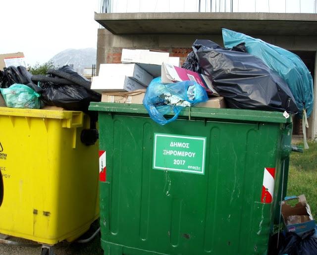 Αμάζευτοι πολλοί κάδοι με σκουπίδια στον Μύτικα. - Φωτογραφία 4