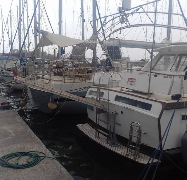 Σε νεκροταφείο σκαφών έχει μετατραπεί η Μαρίνα ΒΟΝΙΤΣΑΣ (ΦΩΤΟ) - Φωτογραφία 1