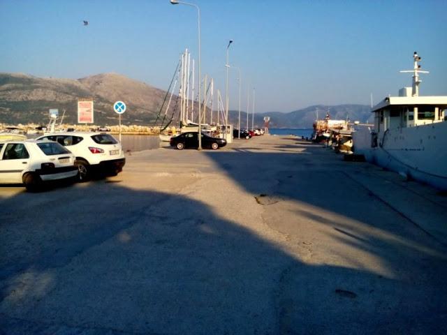 Έχασε τη ζωή του πέφτοντας με το αυτοκίνητό του στο λιμάνι του ΜΥΤΙΚΑ - Φωτογραφία 1