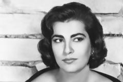 «Ήταν το μεγάλο πάθος της ζωής μου». Ο έρωτας του Μάρλον Μπράντο με την Ειρήνη Παππά, η επίσκεψη στην Ελλάδα και το μεθύσι του στο σπίτι της Μελίνας...
