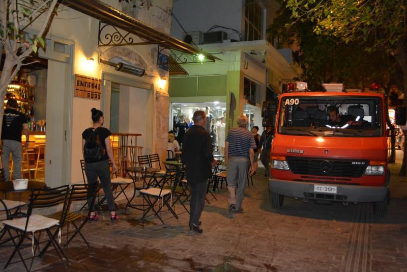Δύο ελαφριά τραυματίες από έκρηξη σε κατάστημα στην Παλιά Πόλη [photos] - Φωτογραφία 5