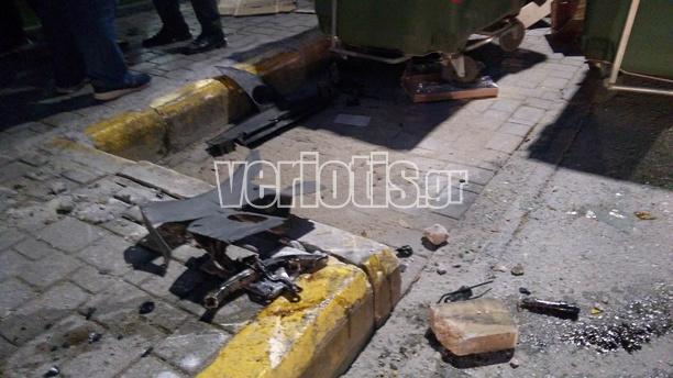 Συμβαίνει τώρα: Τρόμος στο κέντρο της Βέροιας - Από θαύμα δεν θρηνήσαμε νεκρούς! [photos] - Φωτογραφία 2