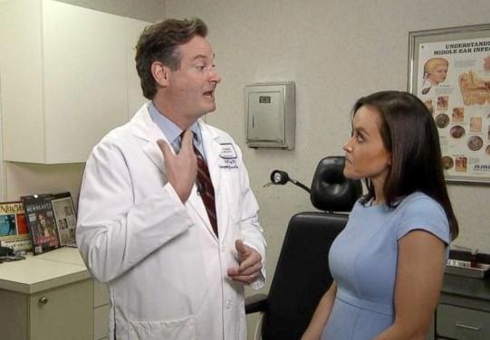 Γιατρός εντόπισε καρκίνο του θυρεοειδούς από την τηλεόραση - Φωτογραφία 1