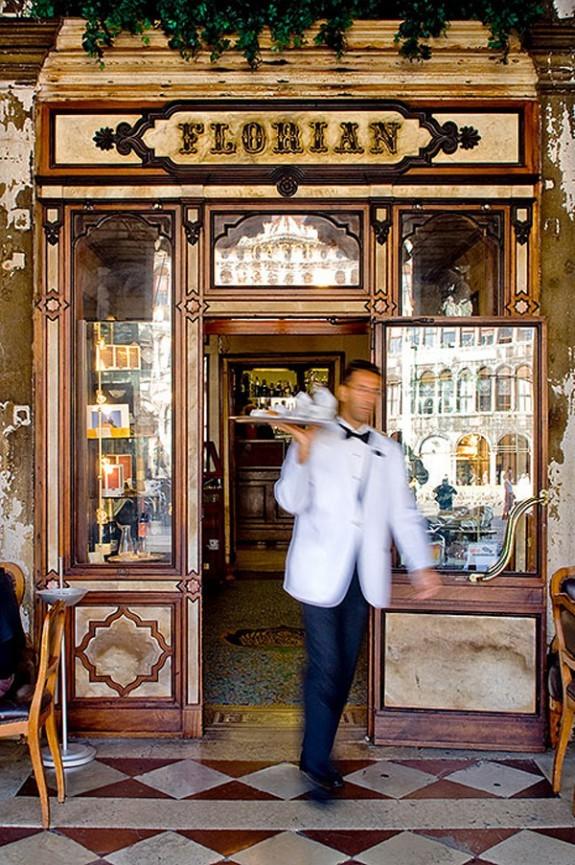 6 πιο ατμοσφαιρικά καφέ της Ευρώπης - Φωτογραφία 1