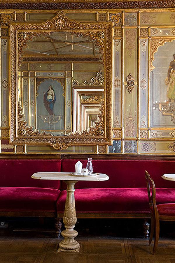 6 πιο ατμοσφαιρικά καφέ της Ευρώπης - Φωτογραφία 3
