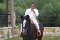 Αρτέμης Σώρρας: Ο... δισεκατομμυριούχος που πίστευε ότι θα είναι μια ζωή «καβάλα στο άλογο»