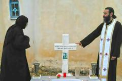 Συγκίνηση στο μνημόσυνο του γέροντα Αυγουστίνου Κατσαμπίρη στα Σκλάβαινα Παλαίρου (φωτο)