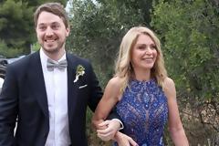 H εκθαμβωτική Έλλη Στάη έκανε την καλύτερή της εμφάνιση στο γάμο του γιου της