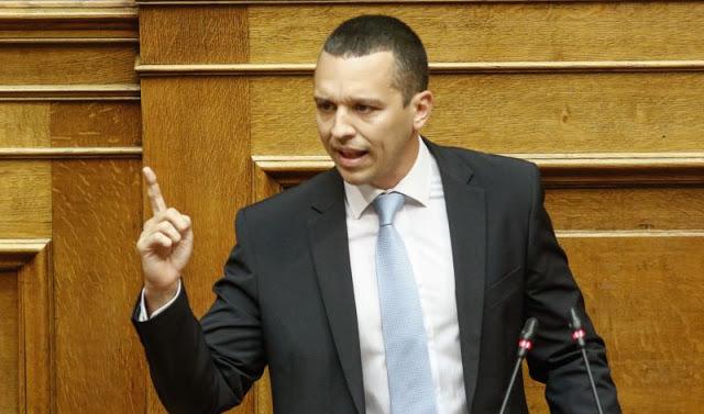 Ηλίας Κασιδιάρης από το βήμα της βουλής: «30 χρόνια εξορία στην Μακρόνησο Τσίπρας-Καμμένος» [Βίντεο] - Φωτογραφία 1