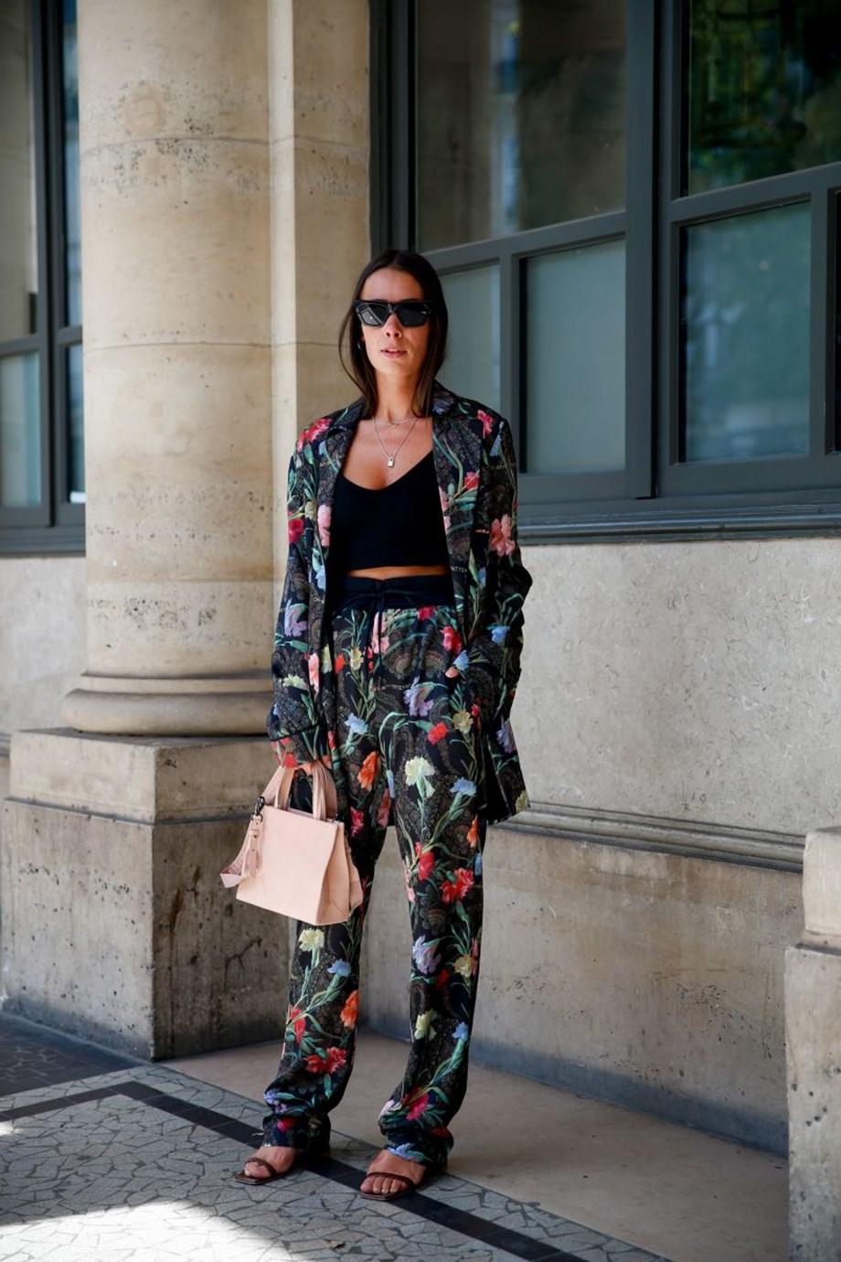 Πώς θα φορέσεις τα πολύχρωμα prints φέτος με τον πιο κομψό τρόπο – ακόμη και στην πόλη! - Φωτογραφία 2