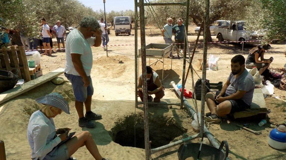 Ιεράπετρα: Υποχώρησε το έδαφος και βρέθηκε μινωικός τάφος! - Φωτογραφία 1