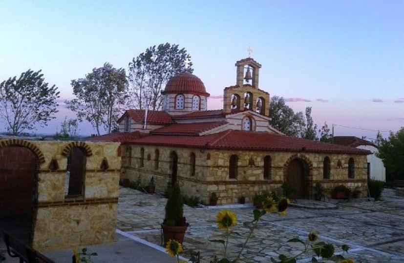 Το μοναστήρι της Αγίας Σκέπης κοντά στην Ελληνοτουρκική μεθόριο - Φωτογραφία 1