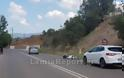 Λαμία: Τροχαίο με μηχανάκι - Τον έσωσε το κράνος - Φωτογραφία 3
