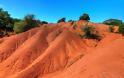 Το σπάνιο γεωλογικό φαινόμενο που μαγεύει: Δείτε τους κόκκινους αμμόλοφους στη ΠΡΕΒΕΖΑ με το φακό της Βονιτσάνας Vicky Pantazis