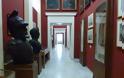 Για παράβαση του νόμου περί αρχαιοτήτων κατηγορούνται οι δύο συλληφθείσες για τις επιθέσεις με λάδι σε μουσεία