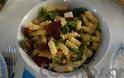 Η συνταγή της Ημέρας: Μακαρονοσαλάτα με λιαστή ντομάτα και βασιλικό