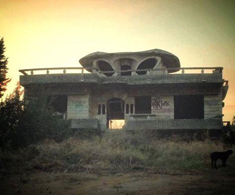 ΑΘΑΝΑΤΗ ΕΛΛΑΔΑ - 40 εξωφρενικές αυθαίρετες κατασκευές που βρίσκονται φυσικά στην Ελλάδα [photos] - Φωτογραφία 26