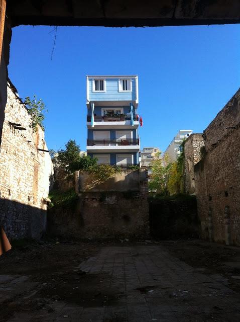 ΑΘΑΝΑΤΗ ΕΛΛΑΔΑ - 40 εξωφρενικές αυθαίρετες κατασκευές που βρίσκονται φυσικά στην Ελλάδα [photos] - Φωτογραφία 39