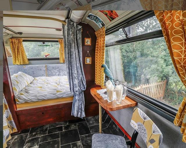 Μετέτρεψαν σε... ξενοδοχείο διώροφο λεωφορείο του Λονδίνου! - Φωτογραφία 4