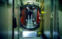 Στο εσωτερικό ενός πυρηνικού υποβρυχίου [photos] - Φωτογραφία 14